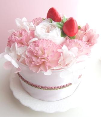 パステルカラーの フラワーケーキ