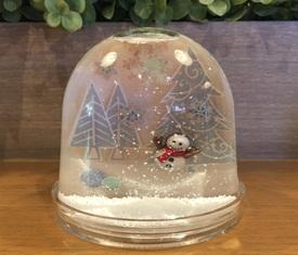 スノードームで作る 小さな雪の世界